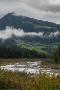 Der Mareiter Bach (Ridnaunbach) schlängelt sich durch das Ridnauntal